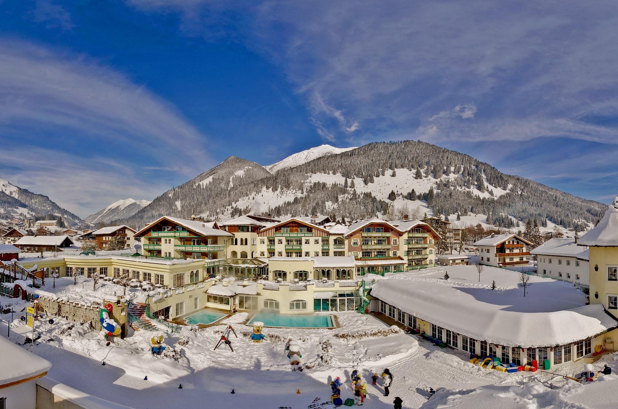 Hotelansicht Winter1 Alpenrose