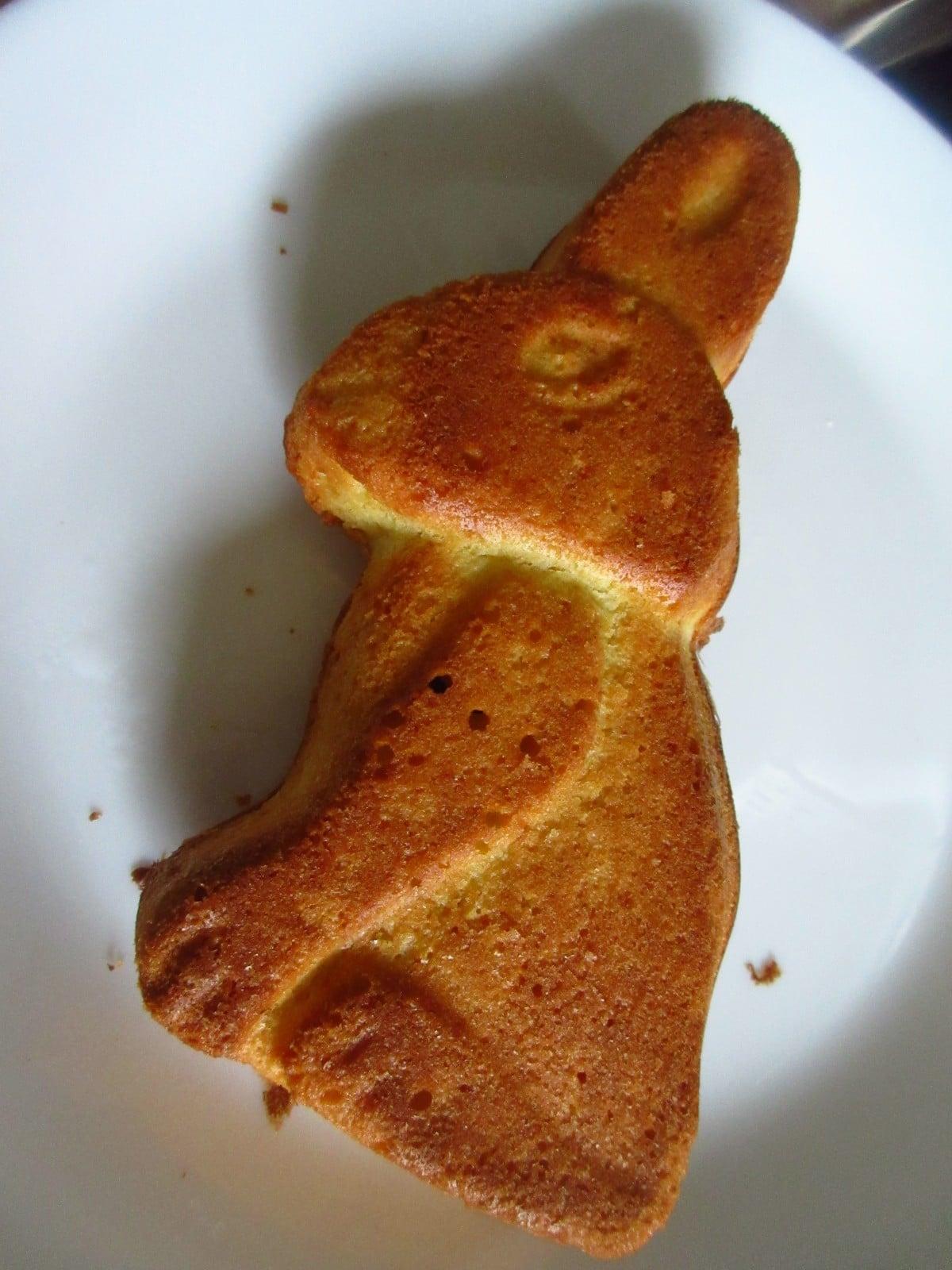 Backen ist Liebe: Zwei süße Osterrezepte für euch! (Sponsored)
