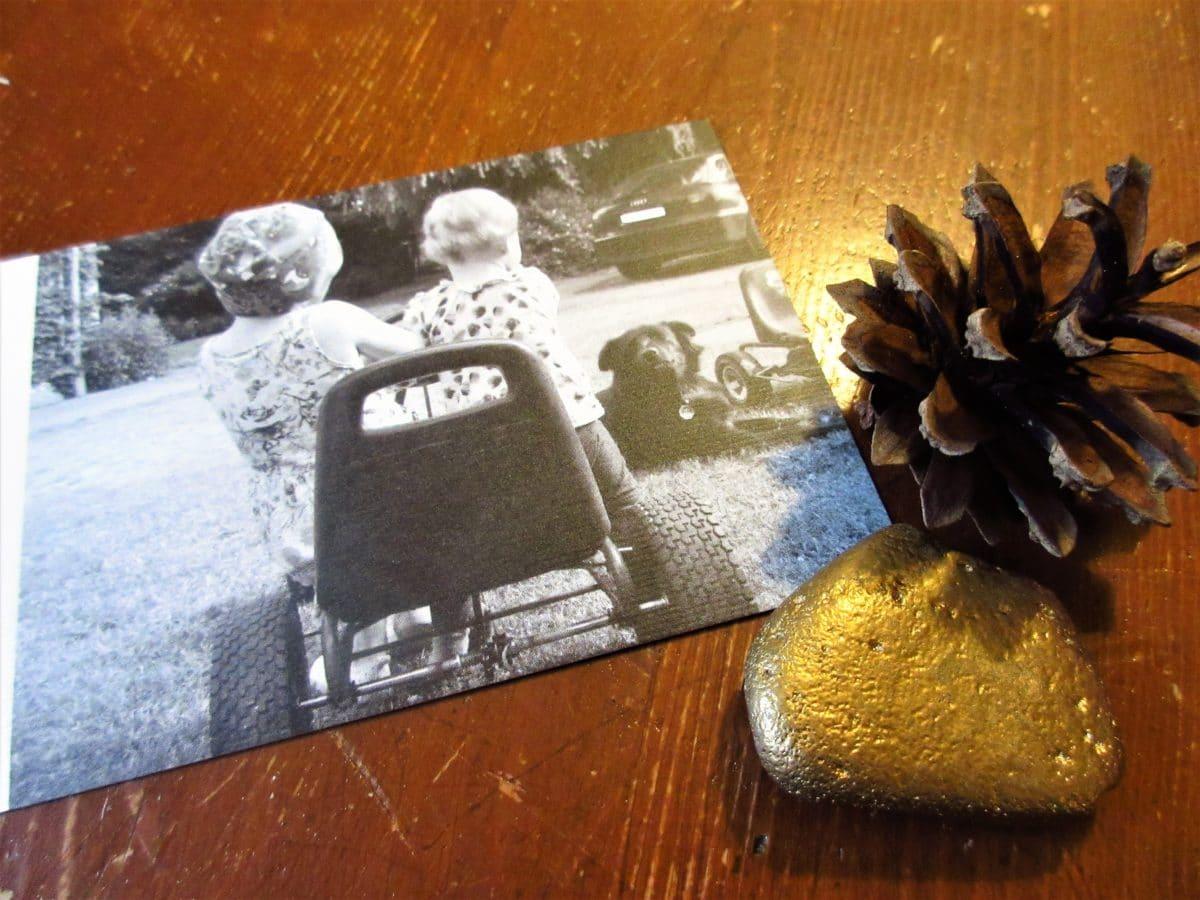 In der Weihnachtskartenmacherei